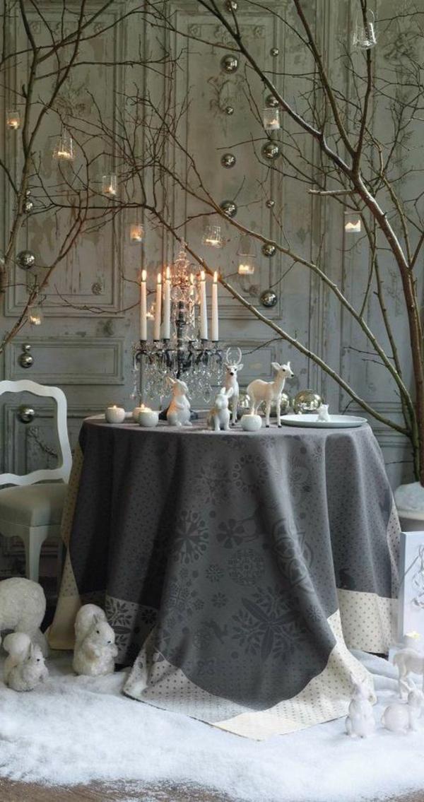-Tischdeko-zum-Weihnachten-mit-wunderschönen-Dekorationen