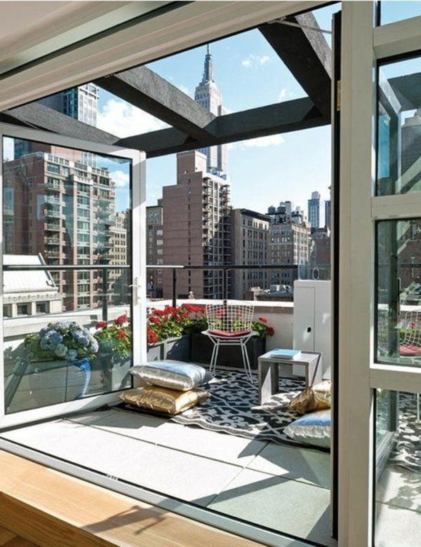 Urban-Terrasse-mit-ultra-modernem-Design