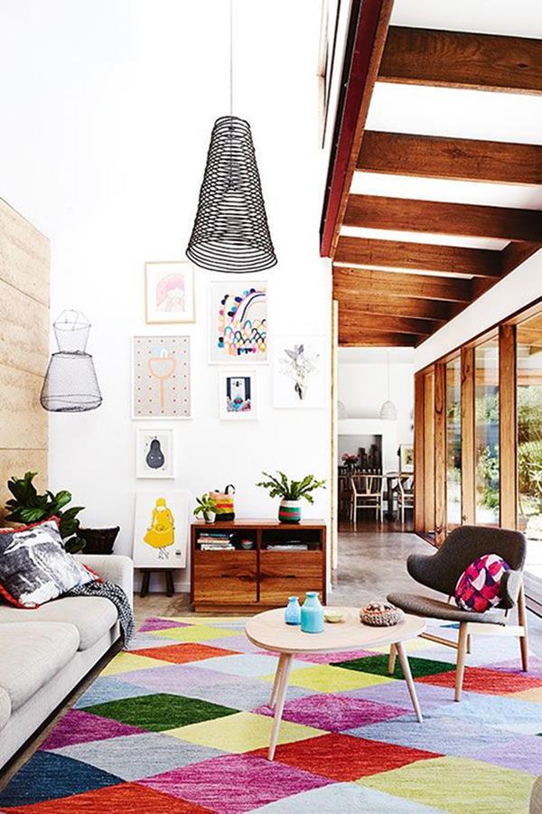 Wandgestaltung-Wohnzimmer-schöne-Interior-Design-Ideen-bunter-Teppich
