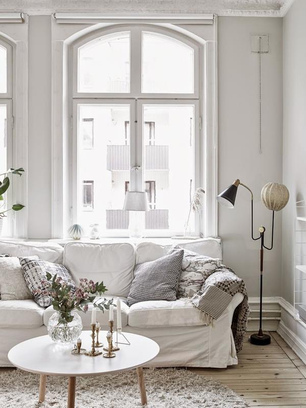 schöne wohnzimmer uhren:Gestalten Sie ein schönes Wohnzimmer mit Wandfarbe Weiß!
