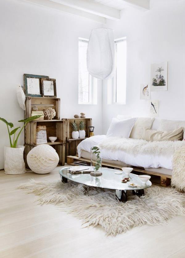 Wandgestaltung-fürs-Wohnzimmer-in-Weiß-