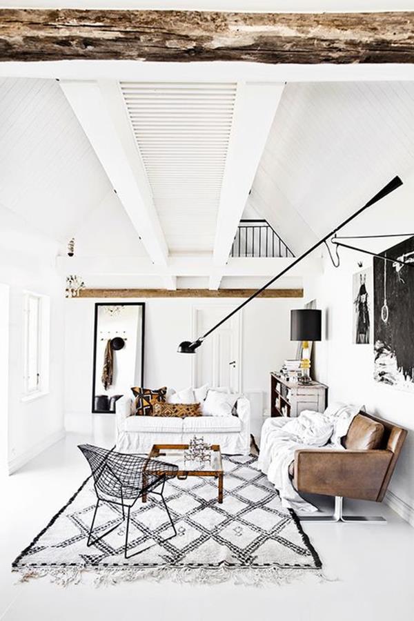 Wandgestaltung-fürs-Wohnzimmer-in-Weiß