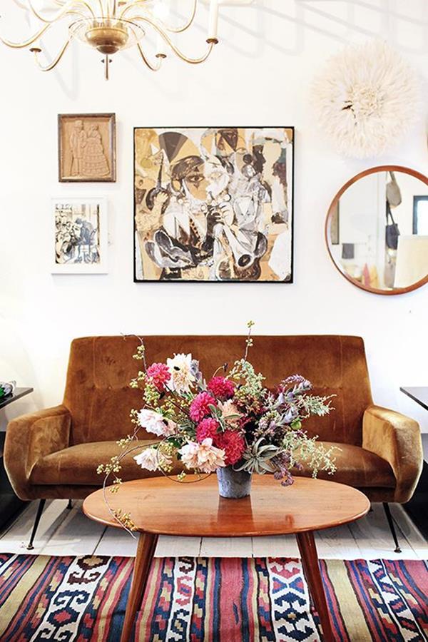 Wandgestaltung-fürs-Wohnzimmer-originelle-Bilder-an-der-Wand