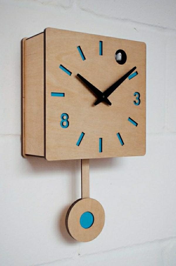 Wanduhr-aus-Holz--Kreative-Wandgestaltung-mit-coolem-Wanduhr
