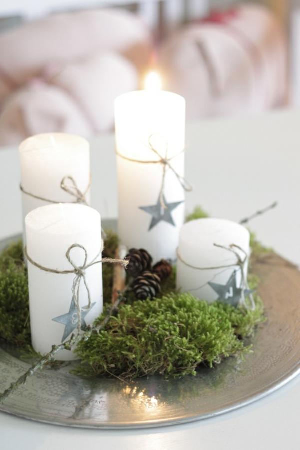Weihnachtsdeko-günstig-Weihnachtsdeko-selber-machen-Deko-für-Tisch-mit-weißen-Kerzen