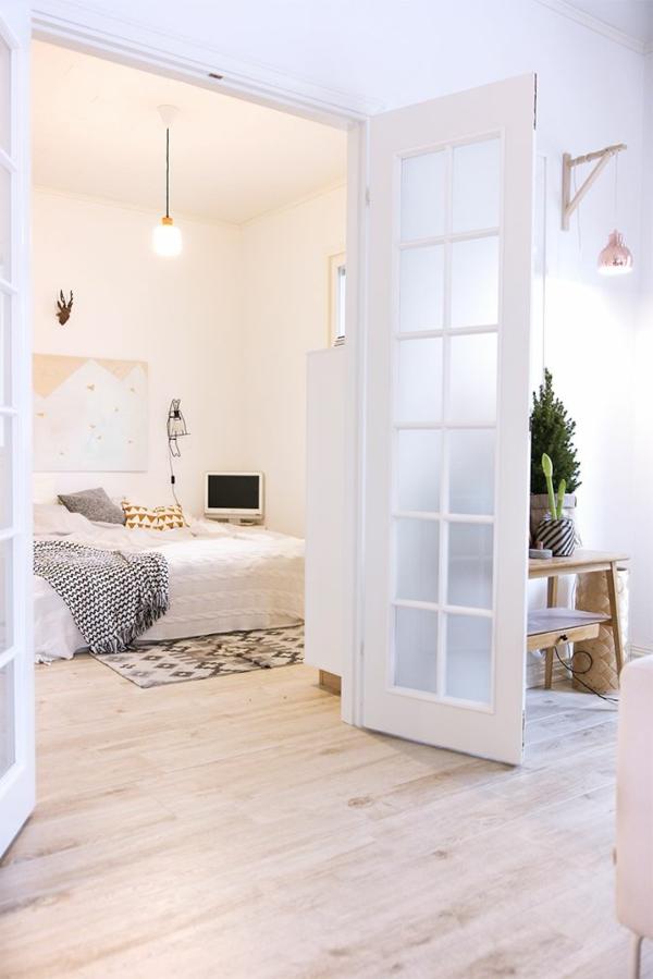 Wohnideen-für-Zuhause-Interior-mit-Holzboden-in-heller-Farbe-