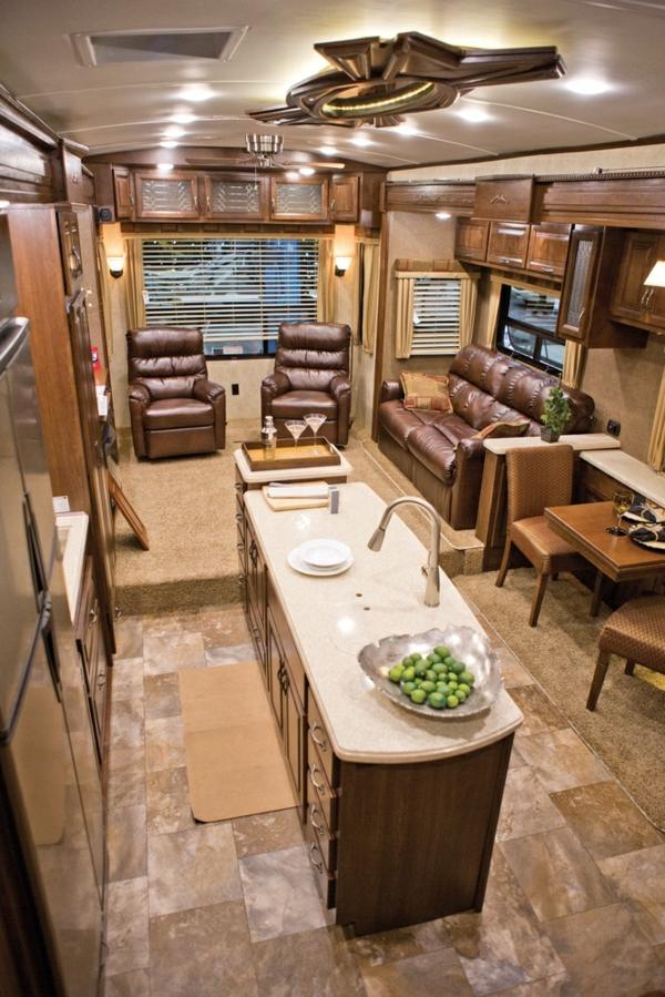 100 fantastische wohnmobile luxus auf r dern for Braune ledersessel