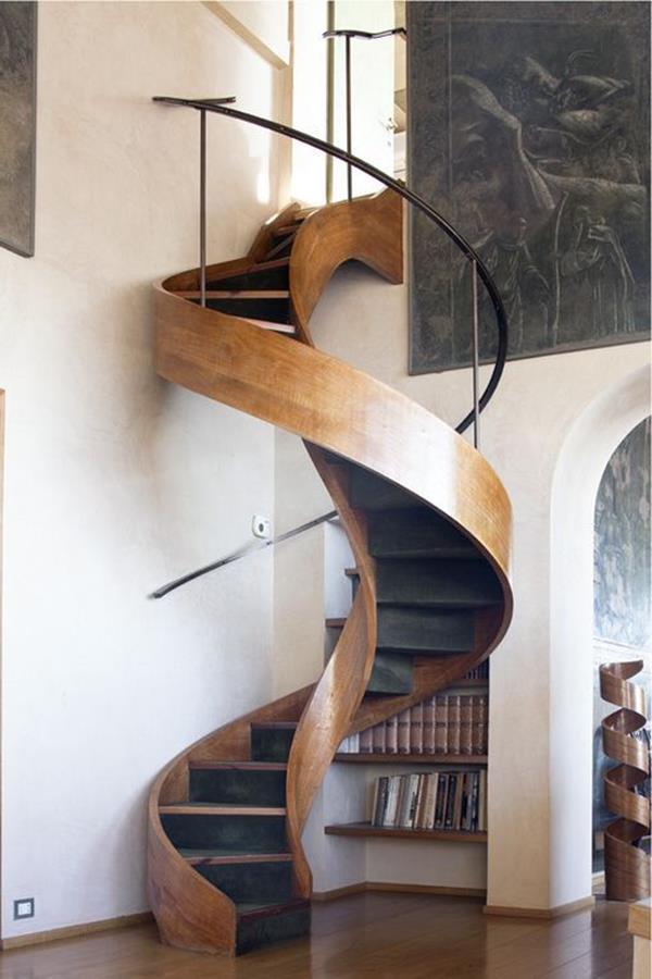 Wunderbare-Ideen-für-eine-moderne-Innentreppe-Spindeltreppe-Holz