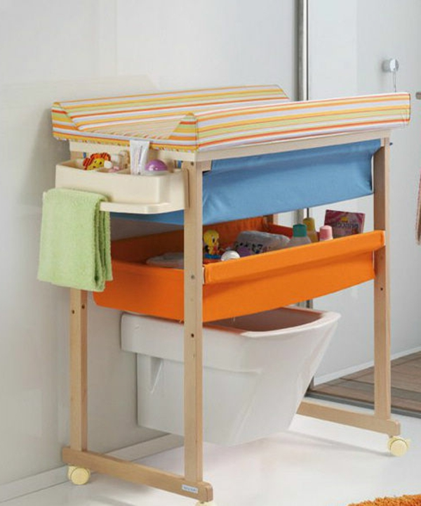 wickeltisch mit badewanne 30 super fotos. Black Bedroom Furniture Sets. Home Design Ideas