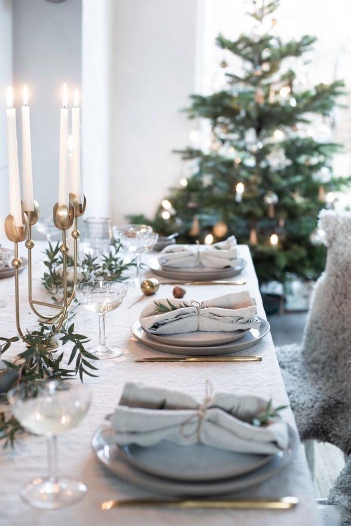 ausgefallene weihnachtsdeko selber machen, festliche esstischdeko in grau und gold