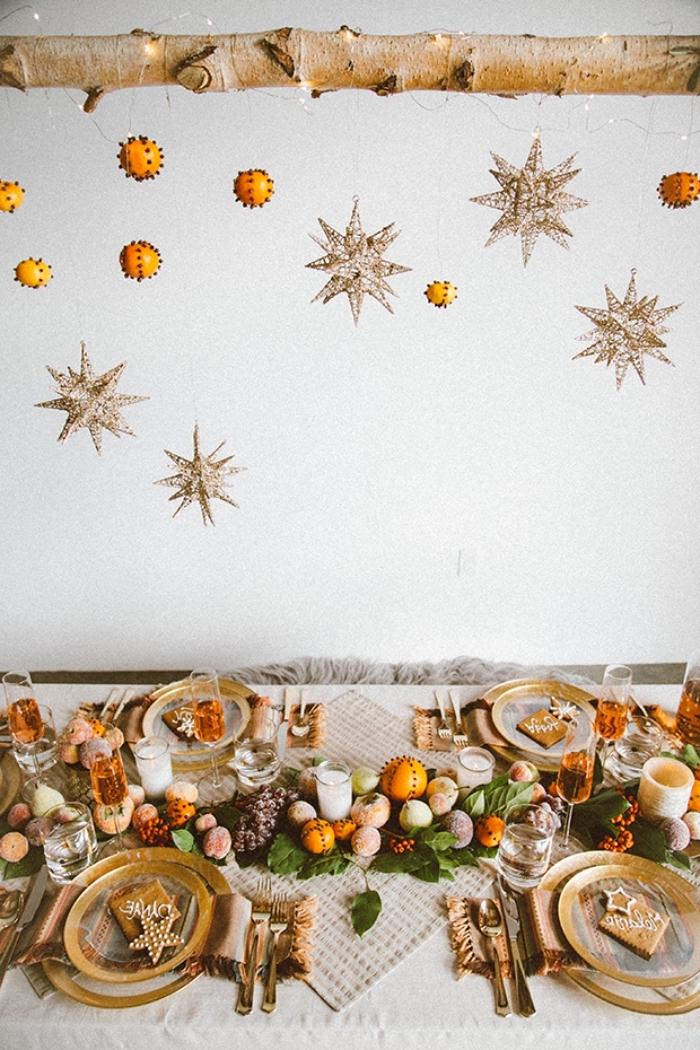 ausgefallene weihnachtsdeko selber machen, weihanchtsliche esstischdeko in orange und beige