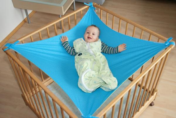 baby-hängematte-blaue-farbe