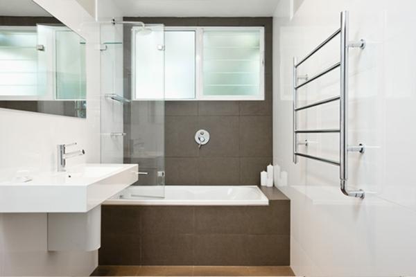 Dekoideen badewannen für kleine bäder : Badewannen mit Duschzone: 24 ...