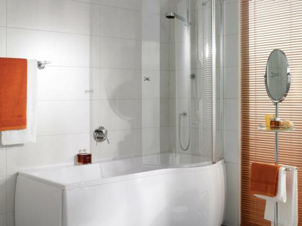 badewannen-mit-duschzone-kleines-gemütliches-badezimmer-gestalten
