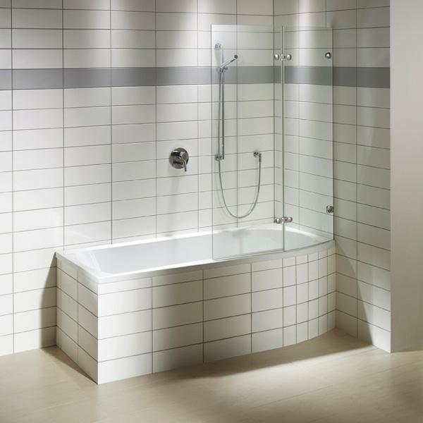 badewannen-mit-duschzone-weiße-fliesen