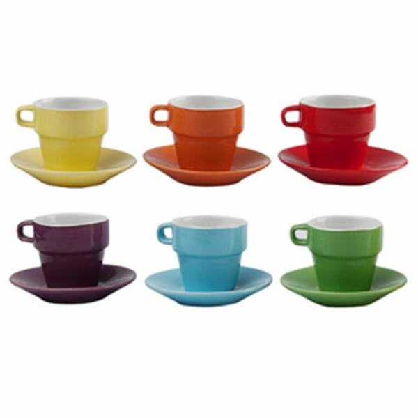 buntgefärbte-espresso tassen-weißer-hintergrund