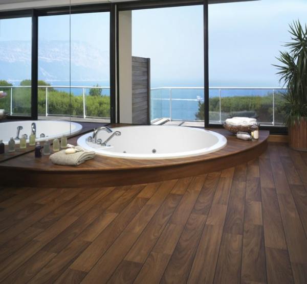 -charmante-gemütliche-Ambiente-mit-Bodenbelag--aus-Holz