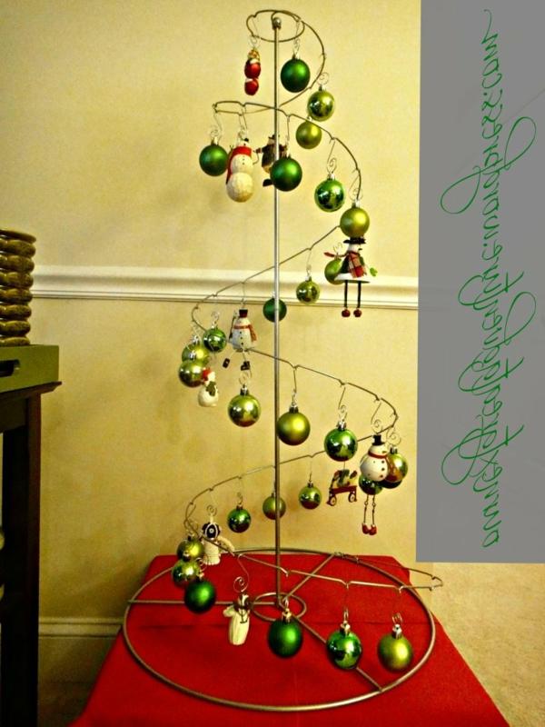 christmas-2012-modern-green-christmas-tree2-resized