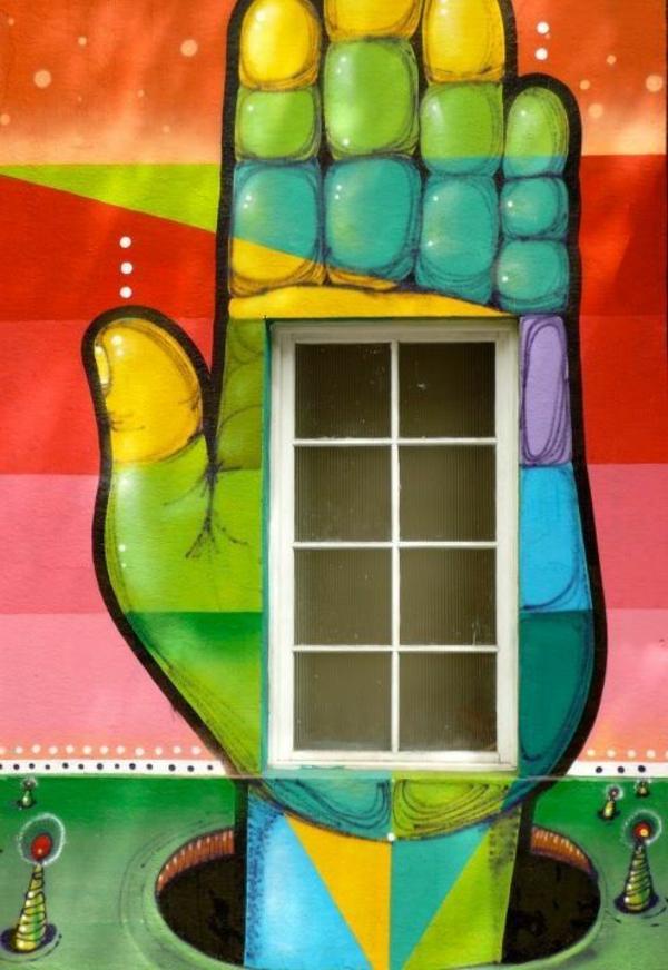 Fluoreszierende Farbe cool-gestreichtes-Gebäude-mit-vielen-Farben