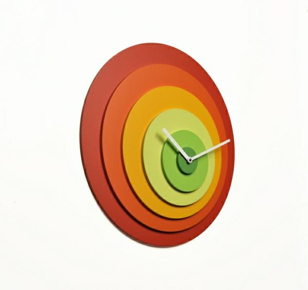 coole-Idee-wunderschöne-moderne-Wanduhr-mit-faszinierendem-Design