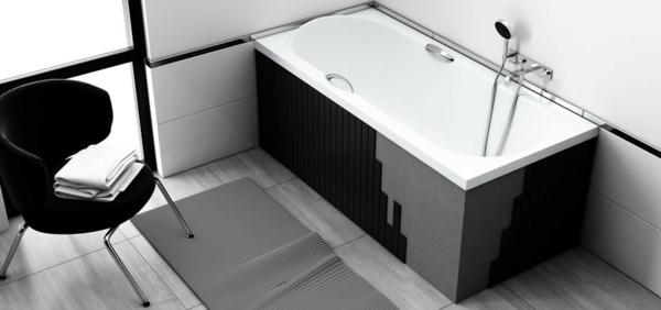 cooles-badezimmer-mit-einer-schicken-badewanne-mit-schürze