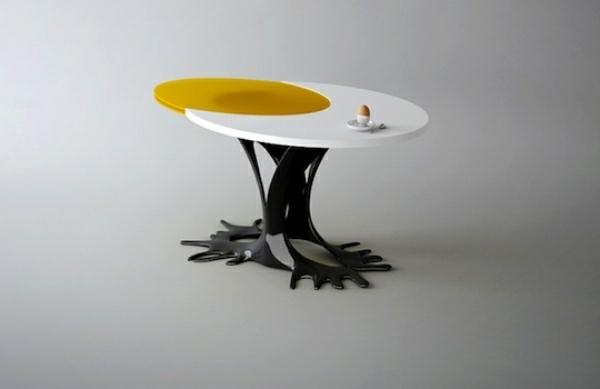 designer-sessel-von-wamhouse-ei-design-tisch-resized
