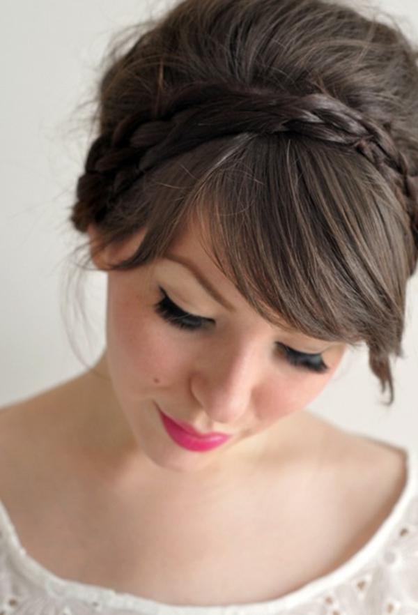 einfache-frisuren-braune-elegante-frisur-mit-einem-schicken-look