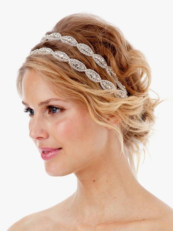 einfache-frisuren-für-lange-haare-elegante-blonde-frau