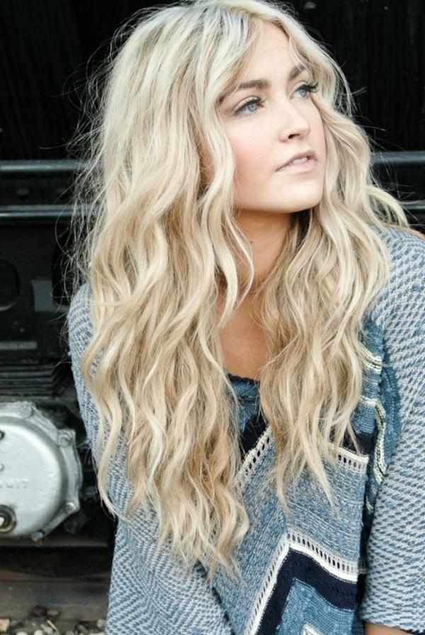 einfache-frisuren-für-lange-haare-super-blond