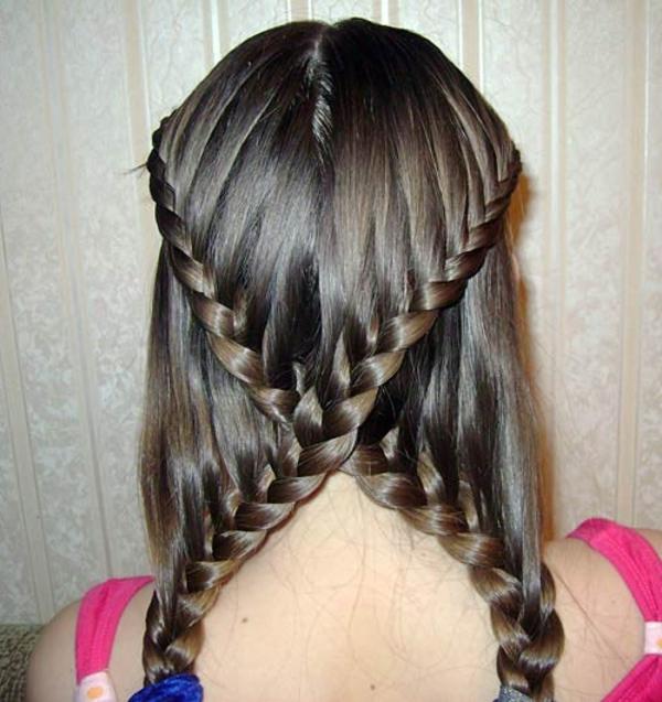 einfache-frisuren-für-lange-haare-zwei-gekreuzte-zöpfe