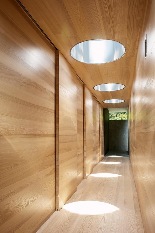 elegante-Wandgestaltung-aus-Holz