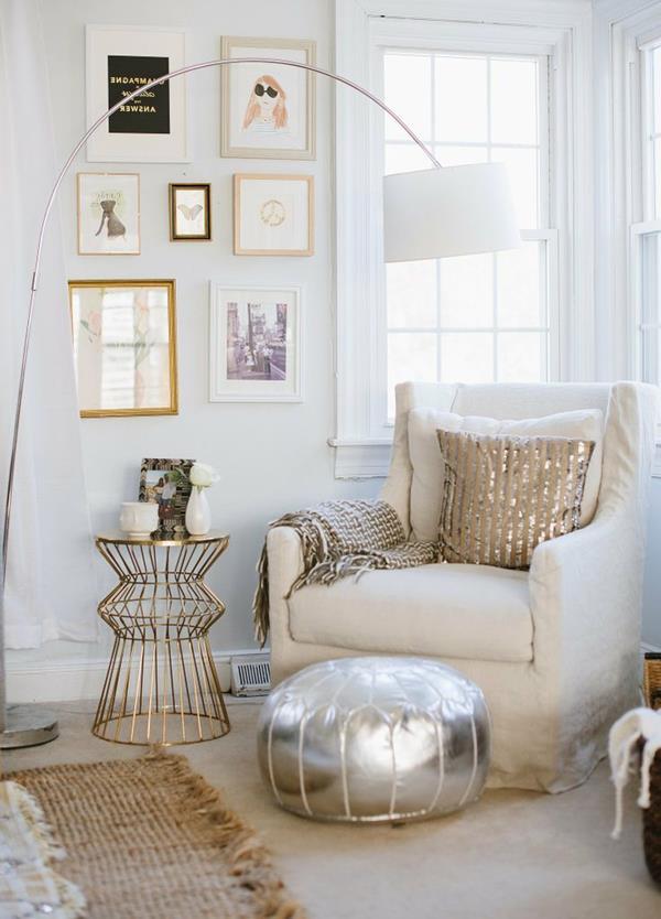 Elegante Moderne Wandgestaltung Für Das Wohnzimmer  Wandfarbe Weiß ...