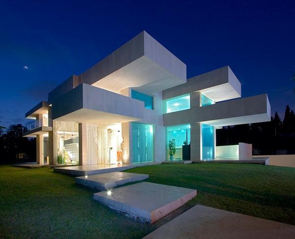 erstaunliches-Haus-Luxus-Design-Überdachung-Eingang