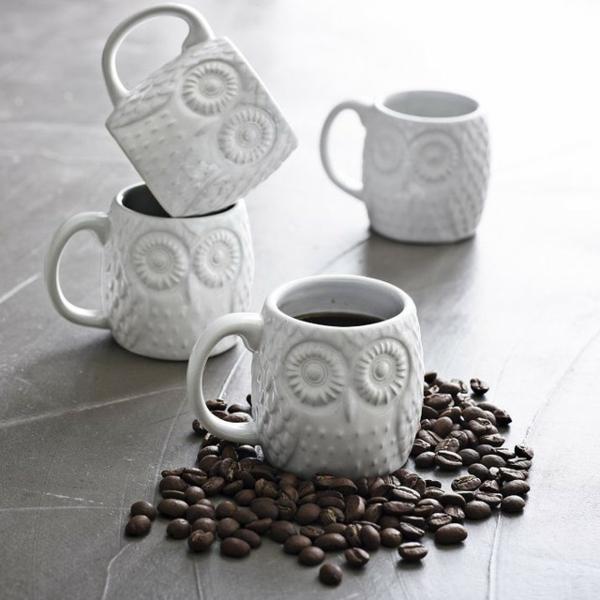 espresso tassen-mit-interessanter-form - auf dem tisch