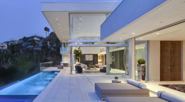 exterior-Design-Ideen-für-die-tolle-Gestaltung-einer-Terrasse-mit-Pool