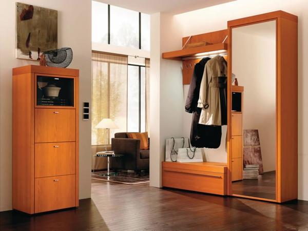 extravagante-Interior-Design-Ideen-Flurmöbel-in-Orange