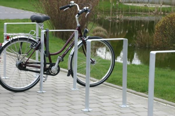 fahrradstaender---anlehnbuegel-salza-fuer-fahrraeder-2-resized (Copy)