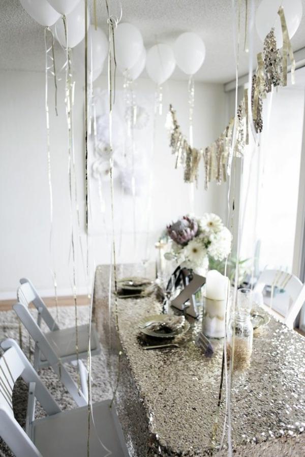 Fantastische Silvester Dekoration Ideen Gl Nzende Tischdeke Wei E Dekoration
