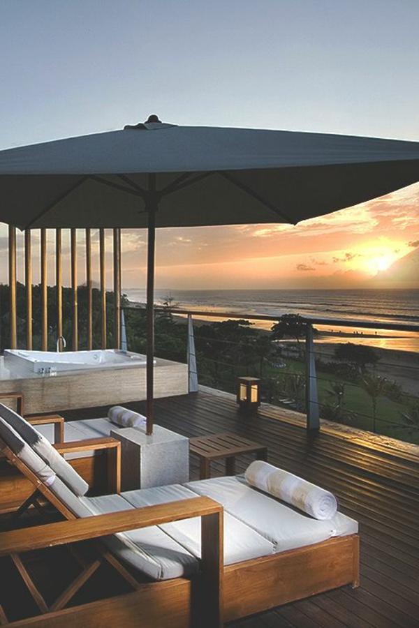 fantastische-Terrasse-mit-Meeraussicht