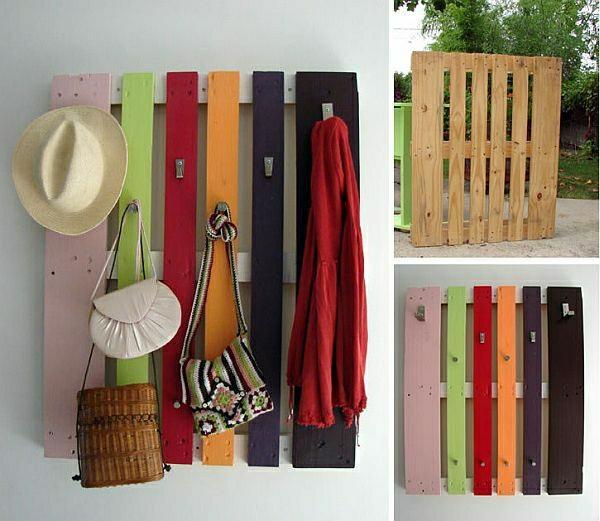 farbige-Holzpalette-gestreicht-in-verschiedenen-Farben-als-Wandhaken