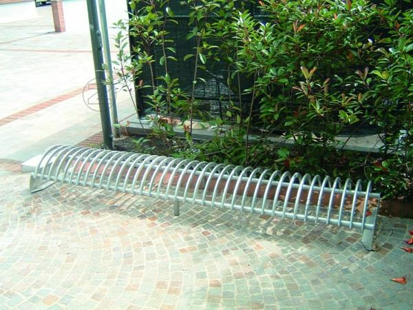 flacher-fahrradstaender-riccio-ein-oder-doppelseitig-wahlweise-mit-betonsockel-resized (Copy)