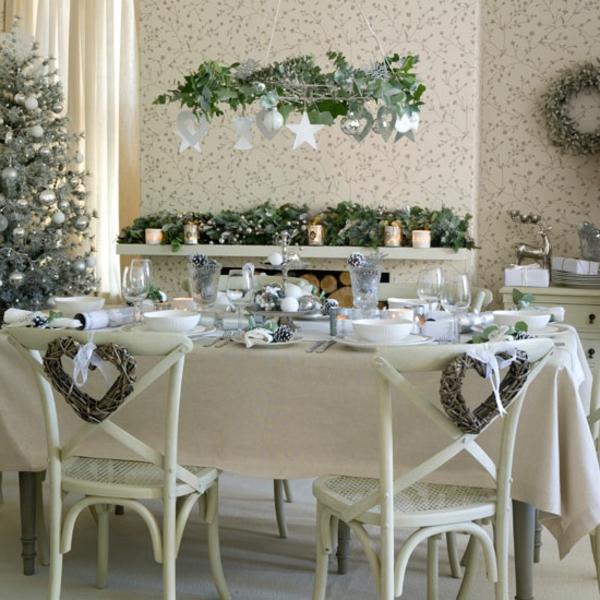 weiße weihnachtsdeko -sehr schönes esszimmer