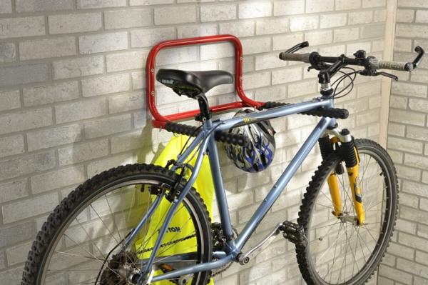 ganz-moderne-Aufbewahrungeideen-für-Fahrräder-aus-Metall