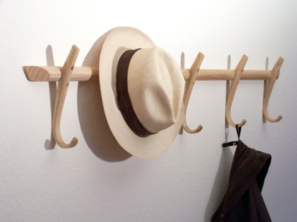 garderobenhaken-holz-modernes-design