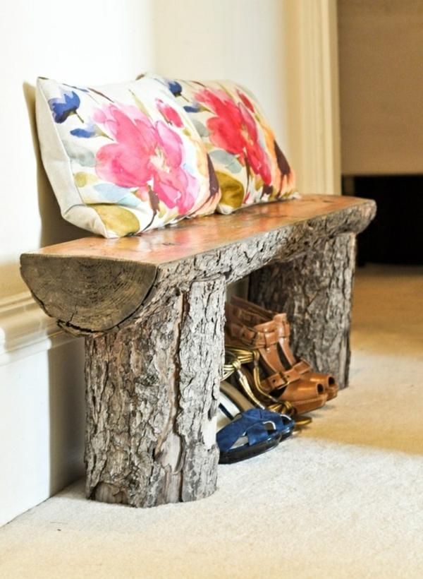 hölzerne-Sitzbank-für-den-Flur-Holzstamm-selber-bauen