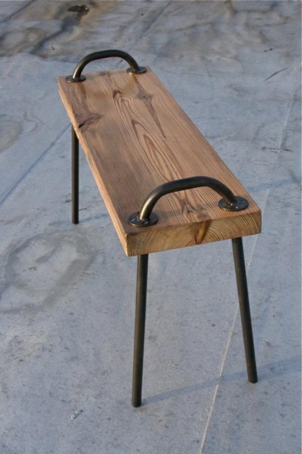 hölzerne--Sitzbank-für-den-Flur