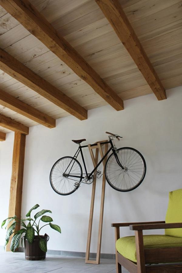 hölzerner-Fahrradständer-effektvolle-Lösung-für-die-Aufbewahrung-des-Fahrrads