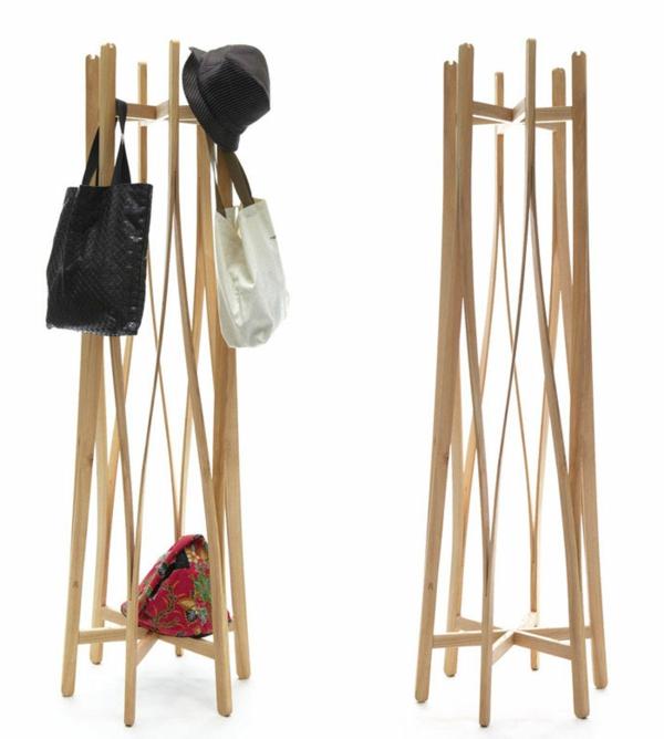 hölzerner-Garderobenständer-mit-modernem-Design-Wohnidee-Kleiderständer-aus-Holz