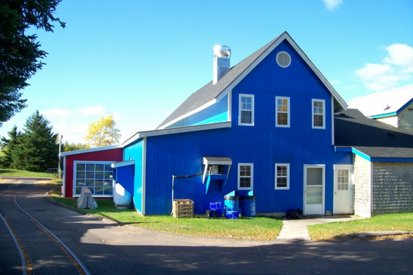 hausfassade-farbe-blau-und-schön