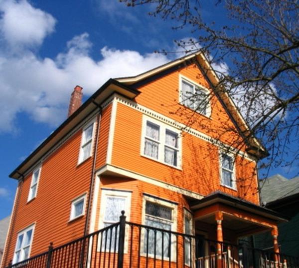hausfassade-farbe-schönes-haus-in-orange-gestaltet